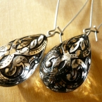 Vintage black and clear damask pattern drop earrings