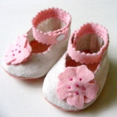 Layered Pink Pansie Felt baby Booties