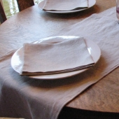 organic table linens by nikkidesigns